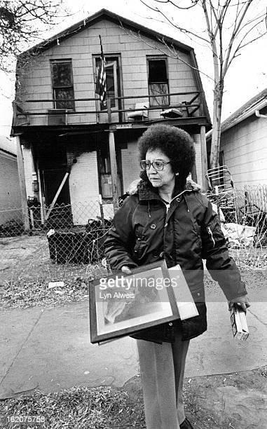 DEC 27 1977 DEC 28 1977 Anna Marie Packer Removes Salvageable Picture From House Very few of her mother's possessions were undamaged in blaze...