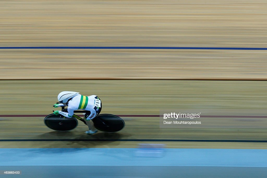Anna Meares of Australia competes in the Womens 500m Time Trial Final during day 2 of the UCI Track Cycling World Championships held at National Velodrome on February 19, 2015 in Paris, France.