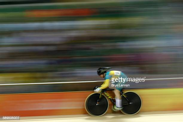 Anna Meares of Australia rides in the Women's Sprint Qualifications on Day 9 of the Rio 2016 Olympic Games at the Rio Olympic Velodrome on August 14...