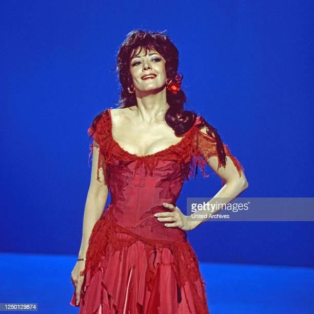"""Anna Moffo, amerikanische Opernsängerin, zu Gast in der Musiksendung """"Schöne Stimmen"""", Deutschland 1977."""
