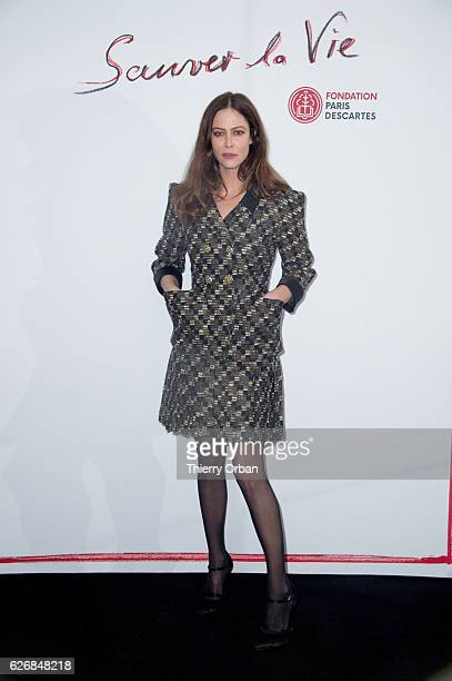 Anna Mouglalis attends the diner 'sauver la vie' Eric Pfrunder Hosts 'Sauver La Vie' Diner for Paris Descartes Fondation at Pavillon Ledoyen on...