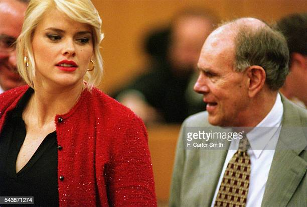 Anna Nicole Smith and her stepson JHoward Marshall who have gone to court over the sharing of the 16 billion dollars of inheritance of Howard Marshall