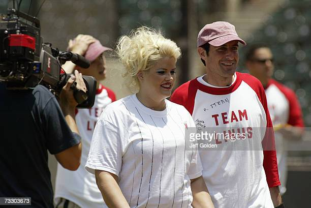 Anna Nicole Smith and Howard K Stern participate in a charity softball game on June 30 2002 at Dedeaux Field in Los Angeles California Son Daniel...
