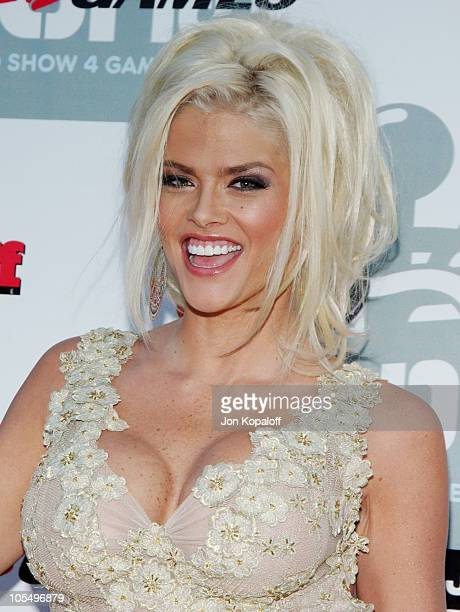 """Anna Nicole Smith during """"G-Phoria - The Award Show 4 Gamers"""" - Arrivals at Shrine Exposition Center in Los Angeles, California, United States."""
