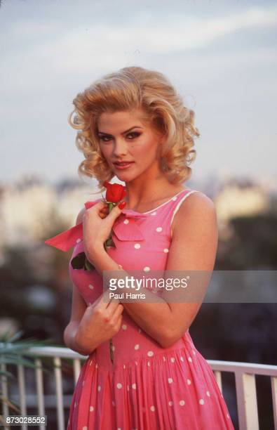 Anna Nicole Smith ex playmate pictured at exboyfriend Christian Audigier's Hollywood apartment January 31 1998 in Hollywood Los Angeles California