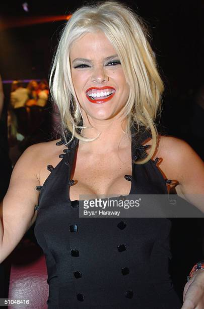 Anna Nicole Smith smiles at the Victor Awards on July 10, 2004 in Las Vegas, Nevada.