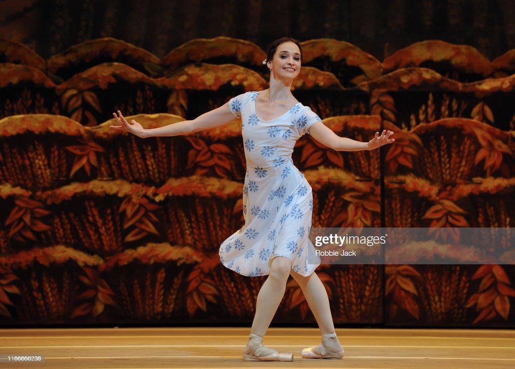 "Bolshoi Ballet's ""The Bright Stream"" At Covent Garden : News Photo"