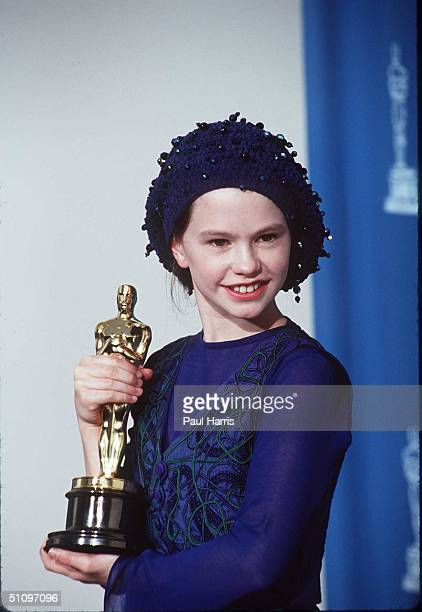 Anna Pasquin At 1994 OscarsWinner For Piano