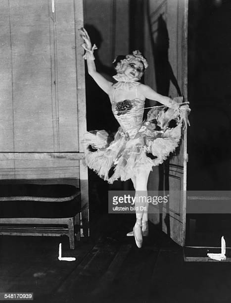 Anna Pavlova *12021881 Ballet dancer Russia around 1926 Photographer James E Abbe Vintage property of ullstein bild