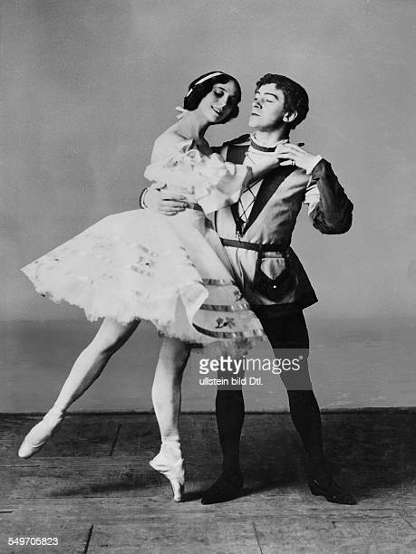Anna Pavlova *12021881 Ballet dancer Russia Principal artist of the Imperial Russian Ballet St Petersburg