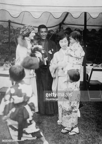 Anna Pavlova and Viscount Mishima family Anna Pavlova Pavlova Russian ´ ´ ´ was a Russian ballerina of the late 19th and the early 20th century Anna...