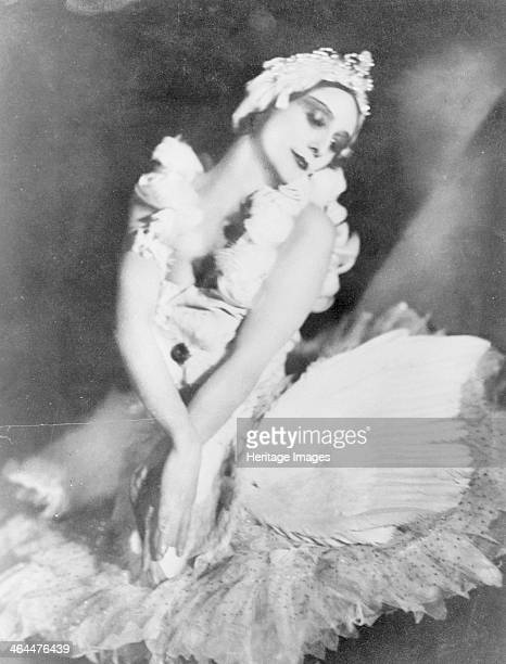 Anna Pavlova in 'Dying Swan' c1905
