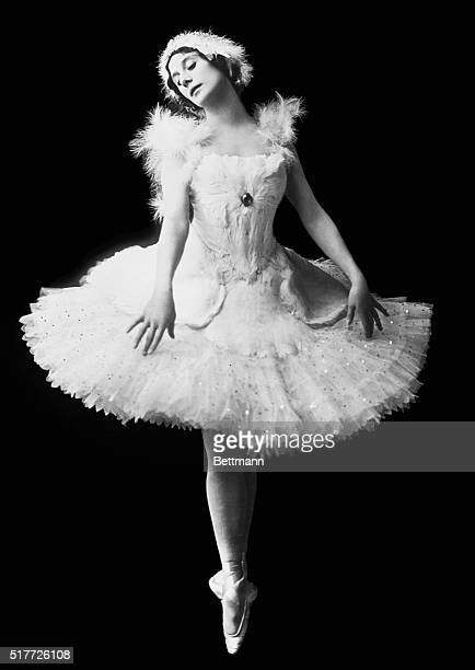Anna Pavlova in the title role 'The Dying Swan' circa 1914