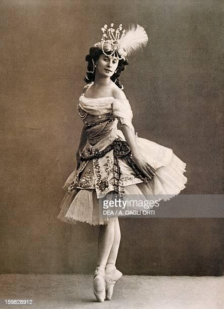 Anna Pavlova prima ballerina of the Imperial Theatre in St Petersburg in stage costume Photography 20th century Vienna Historisches Museum Der Stadt...