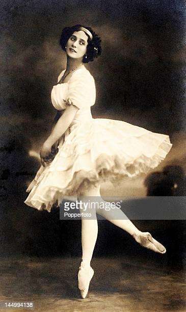 Anna Pavlova Russian ballerina circa 1900