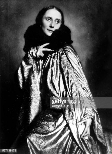 Anna PavlovaAnna Pawlowa Ballettänzerin Tänzerin Russland Porträt veröff in DAME 1/1923/1924 Fotografie von d'Ora