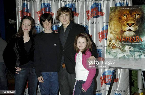 Anna Popplewell Skandar Keynes William Moseley and Georgie Henley