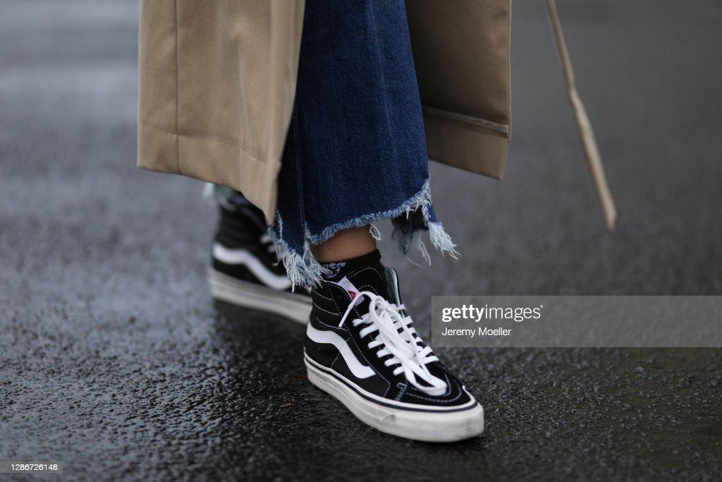 Street Style - Berlin - November 19, 2020 : News Photo