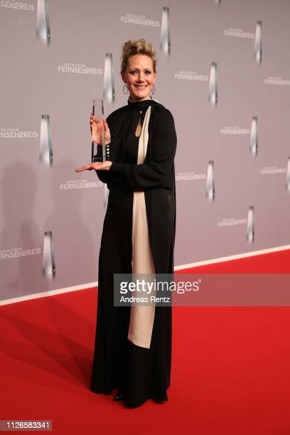 Anna Schudt poses with her award during the German Television Award at Rheinterrasse on January 31, 2019 in Duesseldorf, Germany.