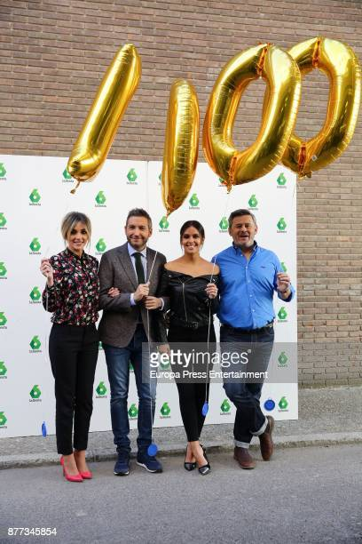 Anna Simon Frank Blanco Cristina Pedroche and Micky Nadal present the special 'Zapeando' to celebrate the 1000 tv programmes on November 21 2017 in...