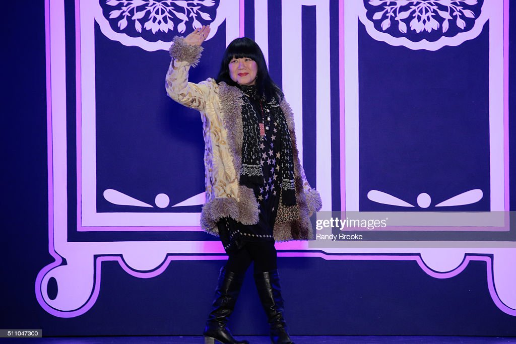 Anna Sui - Runway - Fall 2016 New York Fashion Week: The Shows : ニュース写真