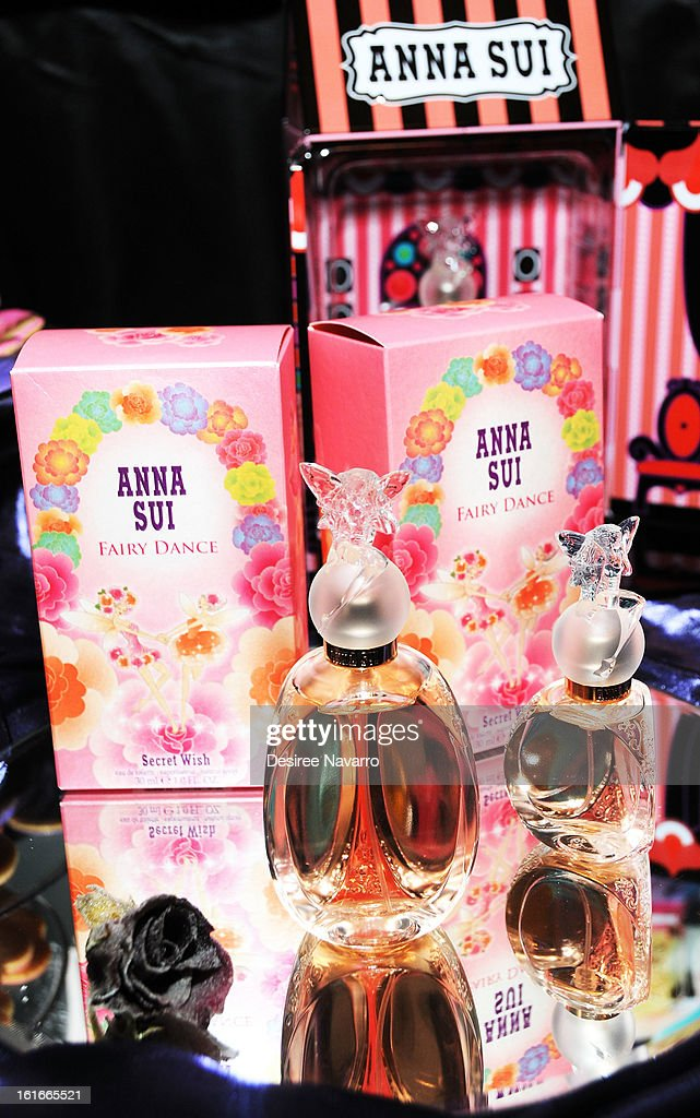 Anna Sui - Front Row & Backstage - Fall 2013 Mercedes-Benz Fashion Week : News Photo