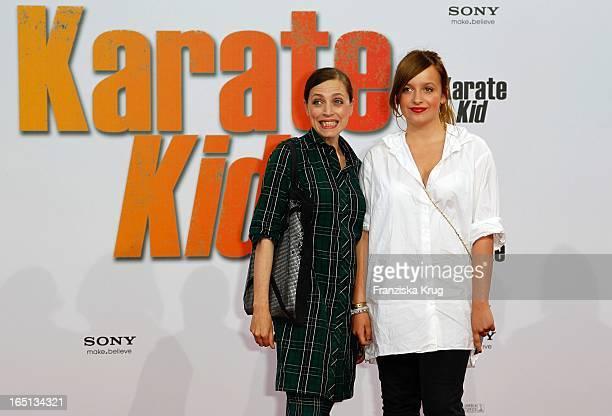 """Anna Thalbach Mit Tochter Nelly Bei Der Deutschlandpremiere Des Kinofilms """"Karate Kid"""" Im Cinestar Am Potsdamer Platz In Berlin ."""