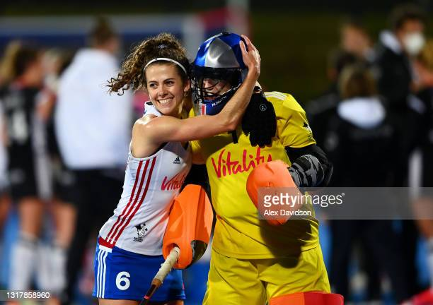 Anna Toman and Maddie Hinch of Great Britain celebrate after the FIH Hockey Pro League match between Great Britain Women and Germany Women at Lee...