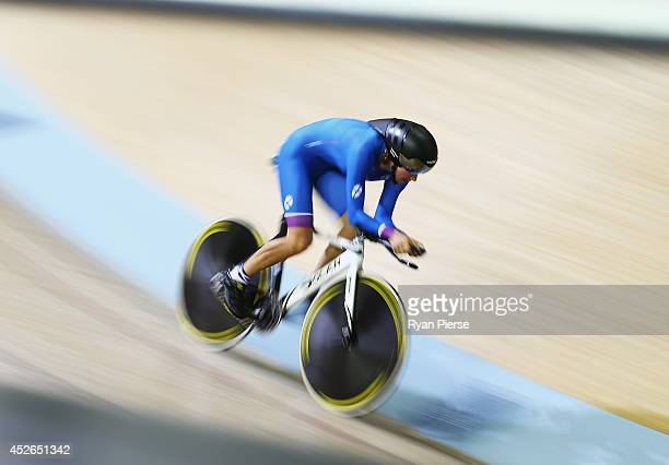 Anna Turvey of Scotland competes in the Women's 300m Individual Pursuit Qualifying at Sir Chris Hoy Velodrome during day two of the Glasgow 2014...