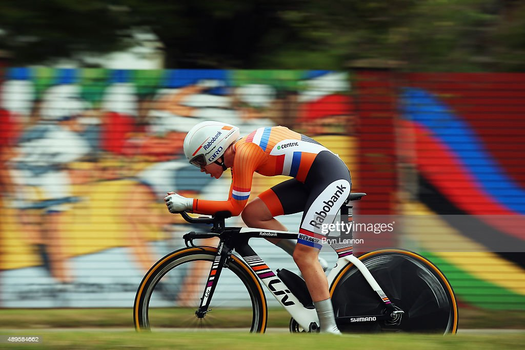 Anna van der Breggen of The Netherlands in action during the Women's Elite Individual Time Trial on day three of the UCI Road World Championships on September 22, 2015 in Richmond, Virginia.