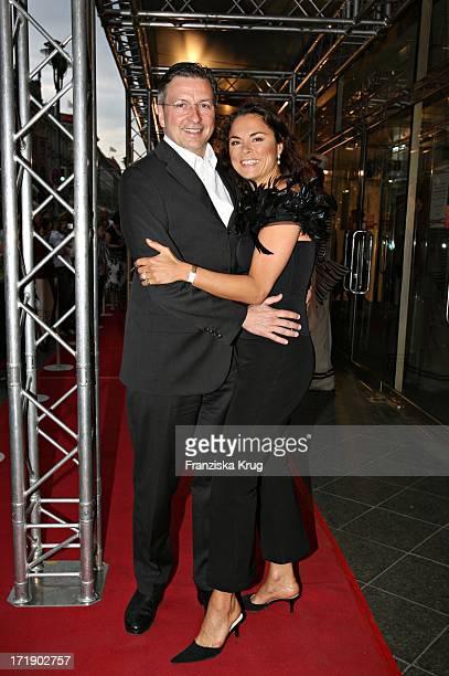 Anna Von Griesheim Und Freund Andreas Marx Bei Der Geburtstagsgala 'Diner De La Mode In Den Galeries Lafayette In Berlin