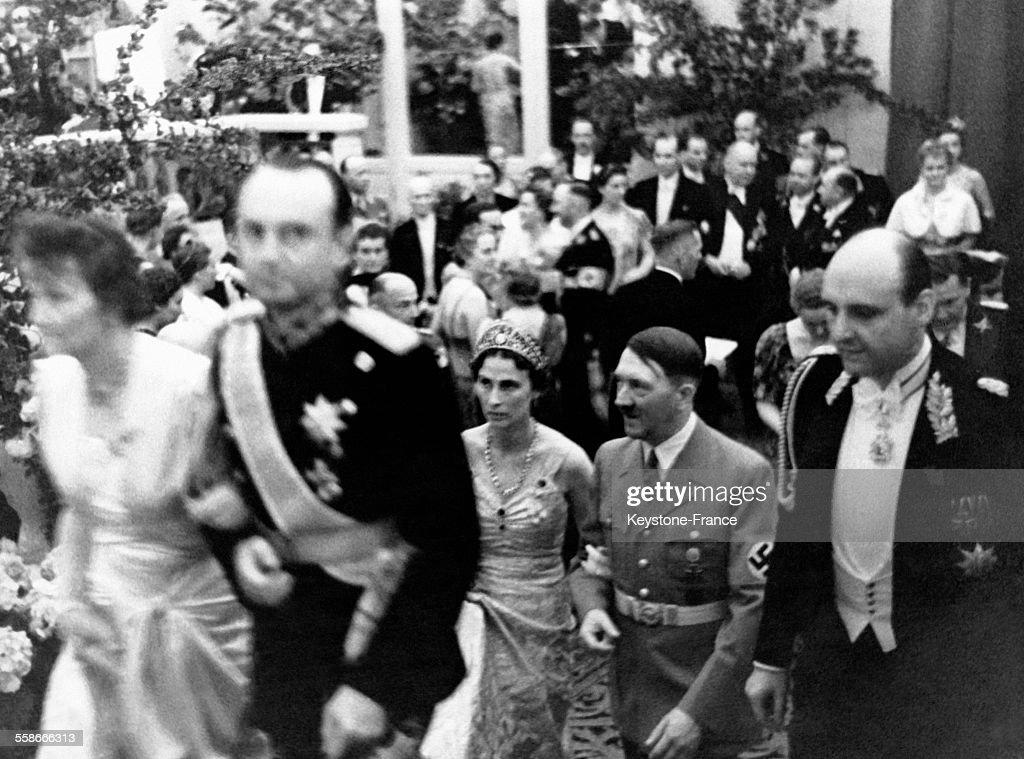 Les monarques yougoslaves reçus avec faste par les Nazis : News Photo