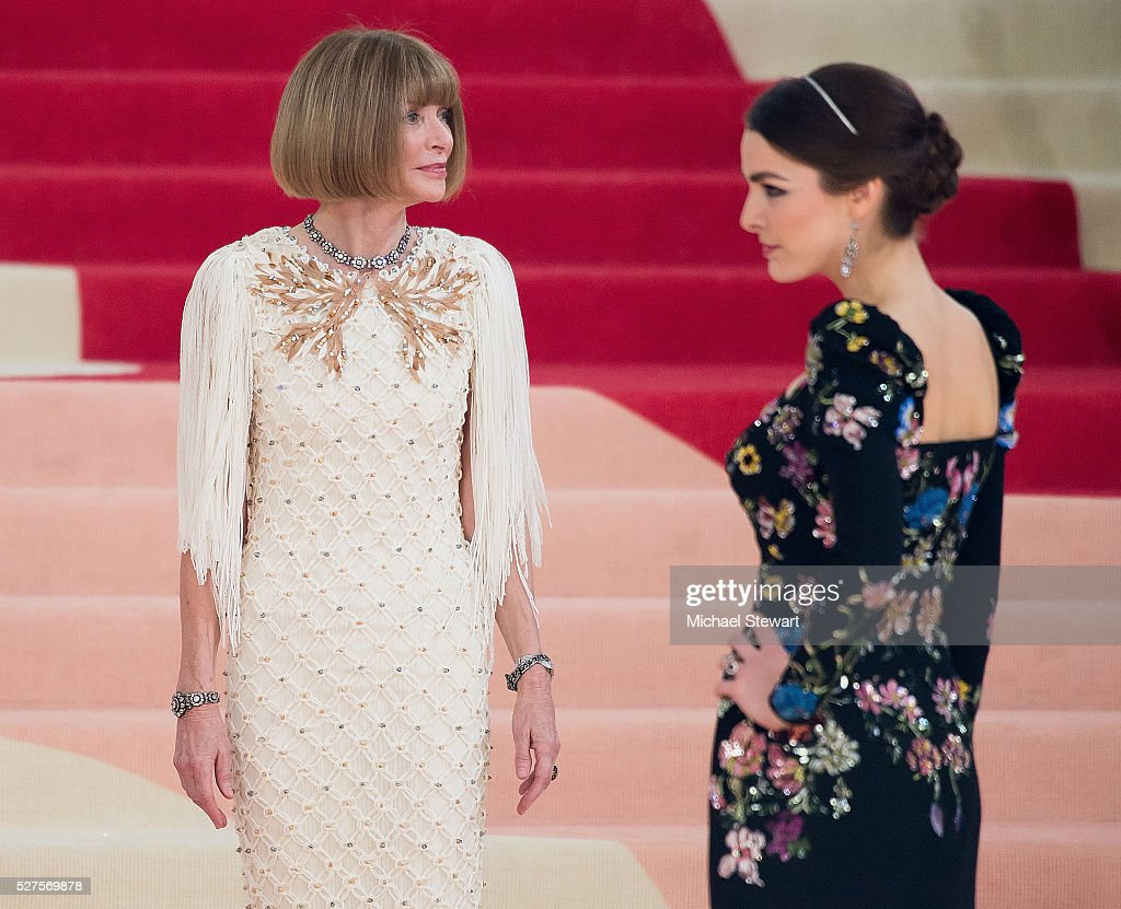 Anna Wintour and Bee Shaffer attend 'Manus x Machina: Fashion in an Age of Technology' Costume Institute Gala at Metropolitan Museum of Art on May 2, 2016 in New York City.
