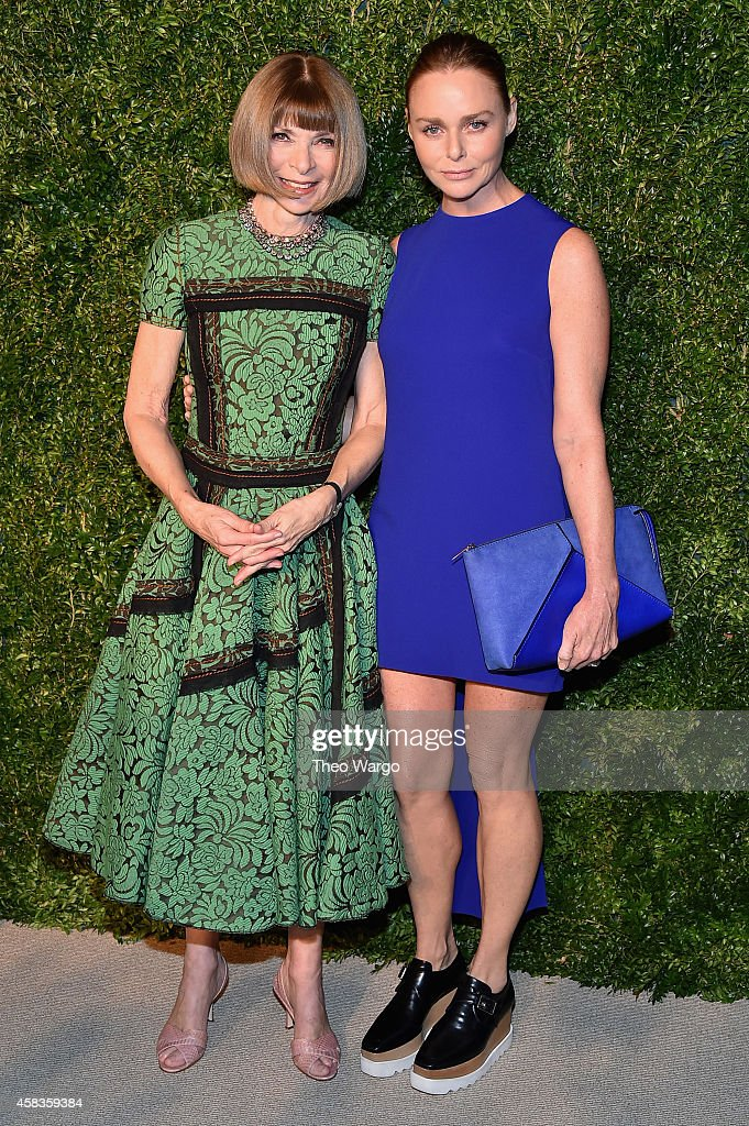 Anna Wintour (L) and designer Stella McCartney attend the 11th annual CFDA/Vogue Fashion Fund Awards at Spring Studios on November 3, 2014 in New York City.
