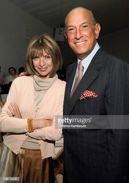 Anna Wintour and Oscar de la Renta during MercedesBenz Fashion Week Spring 2004 Oscar de la Renta Front Row and Backstage at Bryant Park in New York...