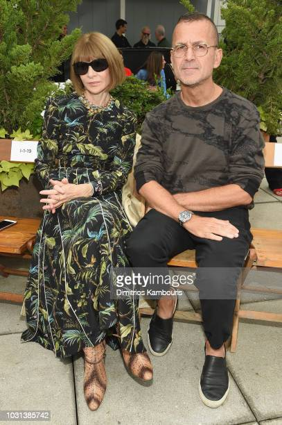 Anna Wintour and Steven Kolb attend the Oscar De La Renta front Row during New York Fashion Week The Shows at Spring Studios Terrace on September 11...