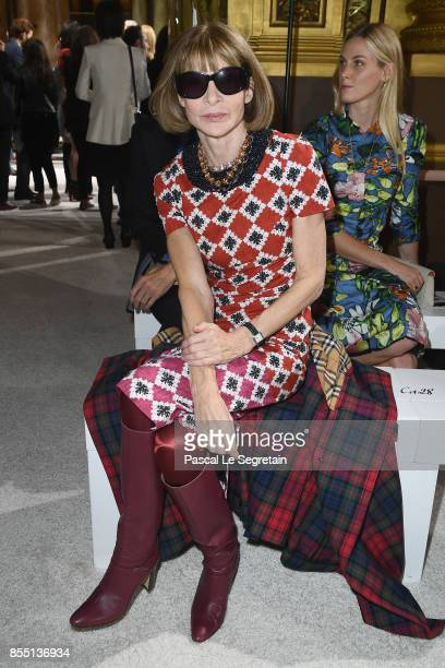 Anna Wintour attends the Balmain show as part of the Paris Fashion Week Womenswear Spring/Summer 2018 on September 28 2017 in Paris France