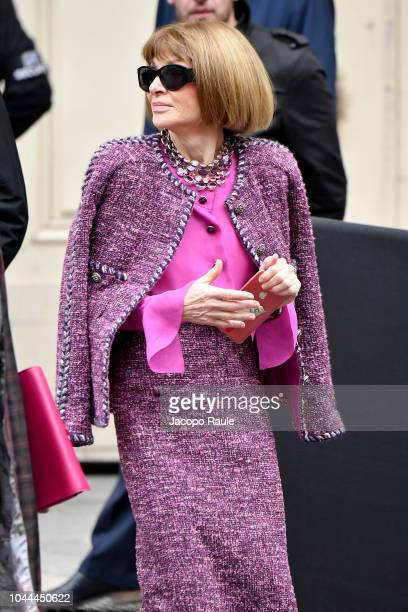 Anna Wintour attends the Chanel show as part of the Paris Fashion Week Womenswear Spring/Summer 2019 on October 2, 2018 in Paris, France.