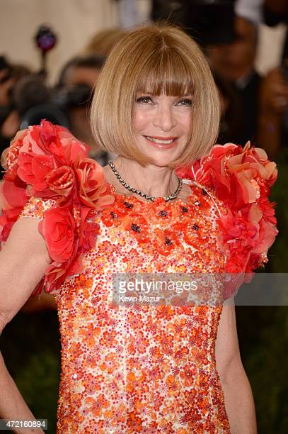 "Anna Wintour attends the ""China: Through The Looking Glass"" Costume Institute Benefit Gala at Metropolitan Museum of Art on May 4, 2015 in New York..."