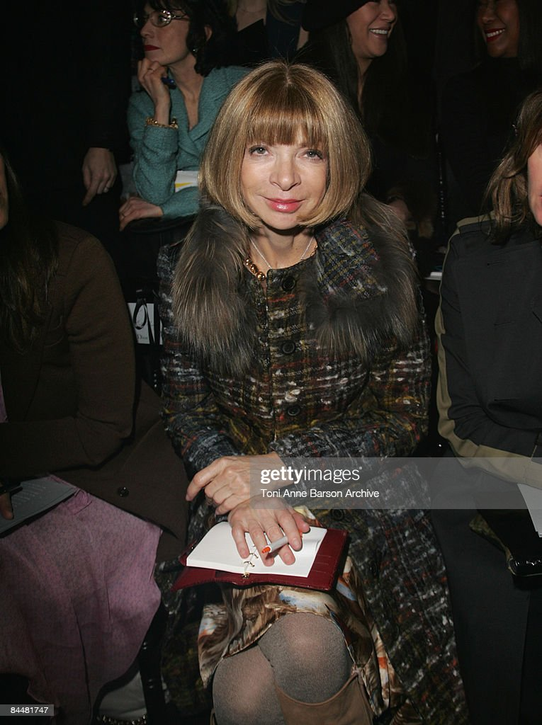 Anna Wintour attends the Christian Dior fashion show during Paris Haute Couture Fashion Week Spring/Summer 2009 at Musee Rodin on January 26, 2009 in Paris, France.