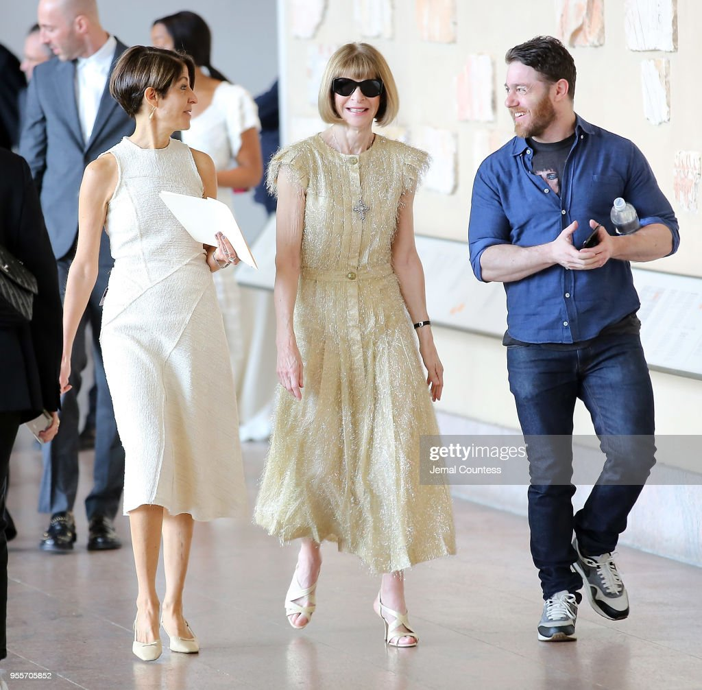 Anna Wintour (C) attends the Heavenly Bodies: Fashion & The Catholic Imagination Costume Institute Gala Press Preview at The Metropolitan Museum of Art on May 7, 2018 in New York City.