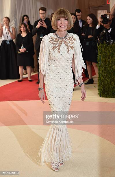 Anna Wintour attends the Manus x Machina Fashion In An Age Of Technology Costume Institute Gala at Metropolitan Museum of Art on May 2 2016 in New...