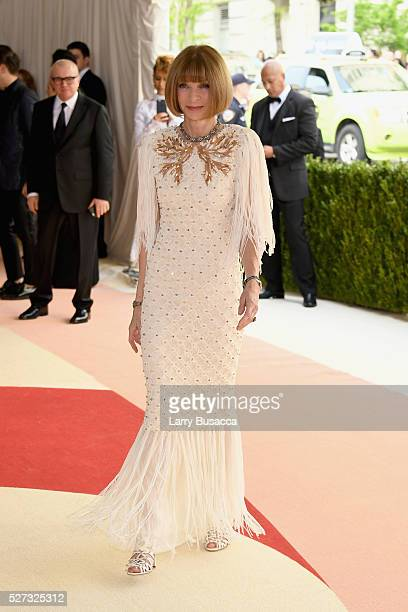 Anna Wintour attends the 'Manus x Machina Fashion In An Age Of Technology' Costume Institute Gala at Metropolitan Museum of Art on May 2 2016 in New...
