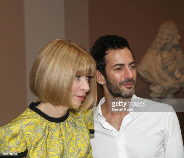 Anna Wintour Editorinchief of American Vogue and Designer Marc Jacobs attend'The Model As Muse Embodying Fashion' Costume Institute Gala press...