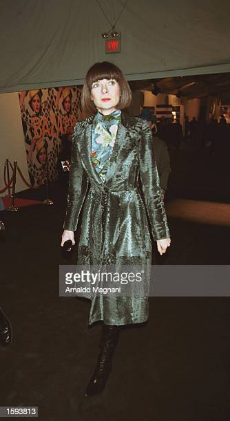 Anna Wintour leaves the Marc Jacobs fashion show February 13 2001 in New York City