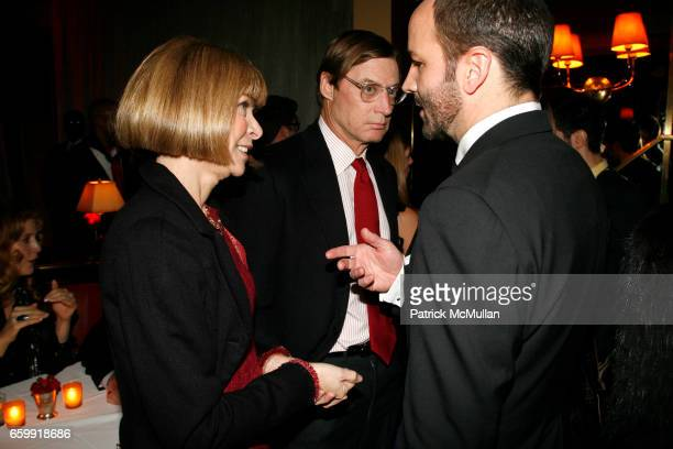 Anna Wintour Shelby Bryan and Tom Ford attend THE CINEMA SOCIETY BING host the after party for A SINGLE MAN at Monkey Bar on December 6 2009 in New...