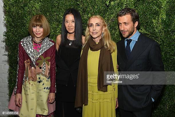 Anna Wintour Vera Wang EditorinChief of Vogue Italia Franca Sozzani and Francesco Carrozzini attend the 'Franca Chaos and Creation' New York...