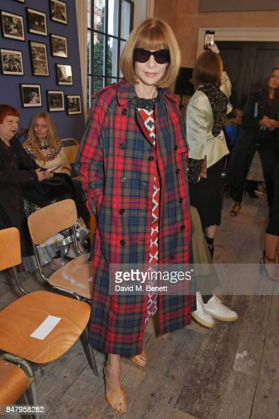 Anna Wintour wearing Burberry at the Burberry September 2017 at London Fashion Week at The Old Sessions House on September 16 2017 in London England