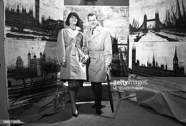 Annabel And Bernard Buffet 1961 le 8 février le peintre Bernard BUFFET et son épouse Annabel posent devant une série de peintures représentant divers...