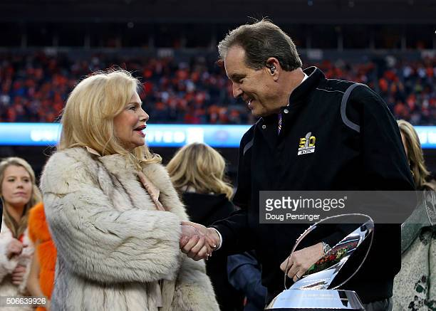 Annabel Bowlen wife of Denver Broncos owner Pat Bowlen speaks to CBS TV personality Jim Nantz after defeating the New England Patriots in the AFC...